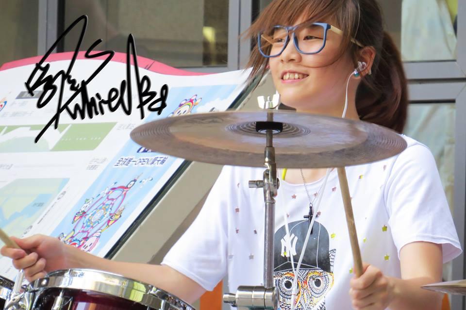 超熱!羅小白ロー シャオ バイ!台湾の20歳美少女ドラマーが凄いと話題!画像&動画チェック!