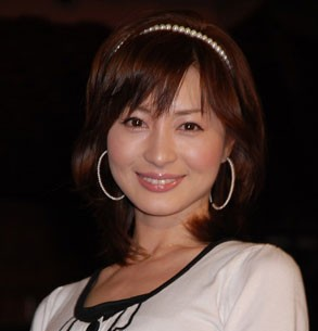 新山千春、感動の出産シーンを公開!YouTube動画と画像でチェック!