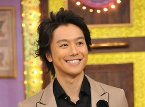 TAKAHIRO、タトゥーを消した?意味がダサいって?熱愛彼女の真相は板野友美?武井咲?