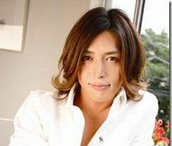 有坂翔太、彼女の福王寺との結婚は?性格に問題?口の歯茎が変って?