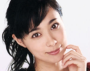 吹石一恵、福山雅治とのなれそめは2001年、ananで共演での卒業写真撮影って!?